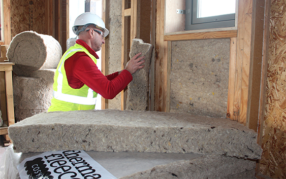 The Benefits of sheep's wool insulation for your home